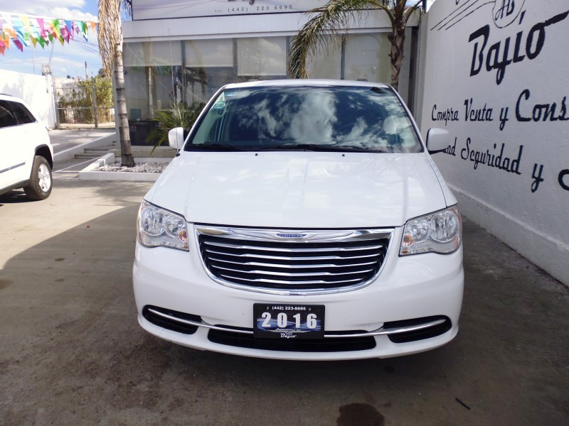 <a href='http://automotoresdelbajio.com.mx/autos/auto/626'> CHRYSLER <br>TOWN&COUNTRY; TOURING</a>